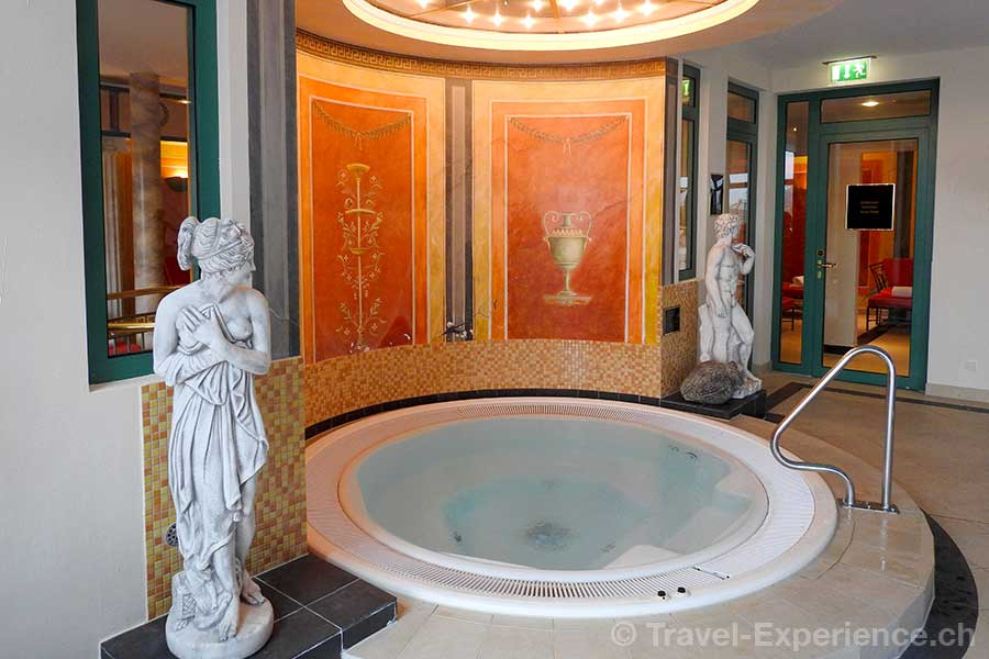 Deutschland, Saarland, Perl-Nennig, Victors Residenz-Hotel Schloss Berg, Whirlpool
