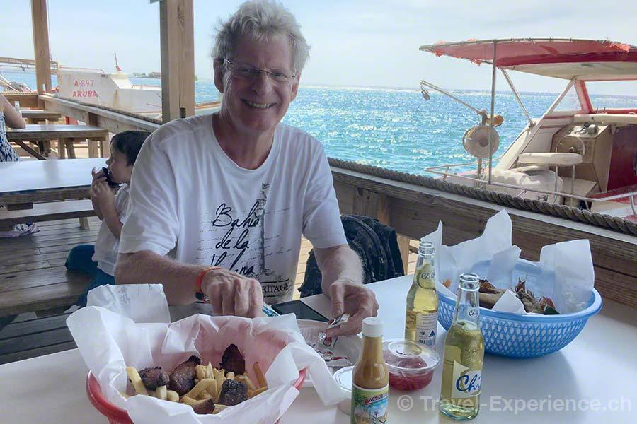Karibik, Aruba, Beachbar, Zeerover, Tafel, Mittagessen, Fisch,