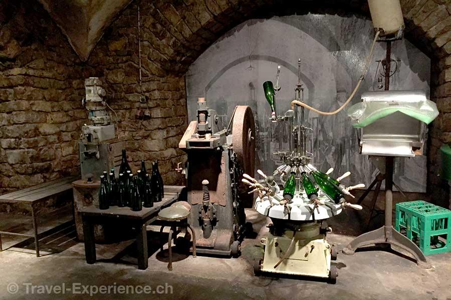 Luxemburg, Remich, Caves du Saint Martin, Museum, Abfuellanlage