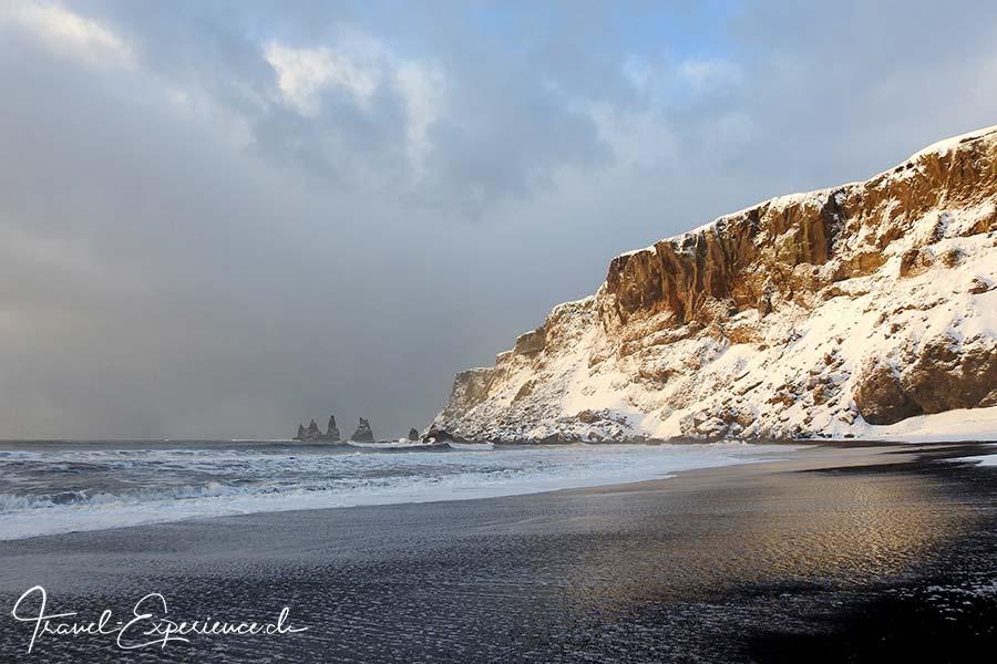 Island, Iceland, Winter, Suedkueste, Vik, versteinerte Trolle, Strand