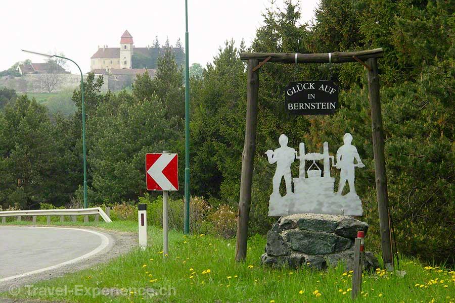 Oesterreich, Burgenland, Burg Bernstein, Dorfeingang