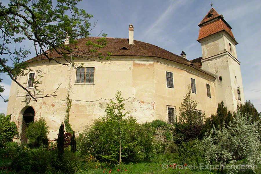 Oesterreich, Burgenland, Burg Bernstein, aussen