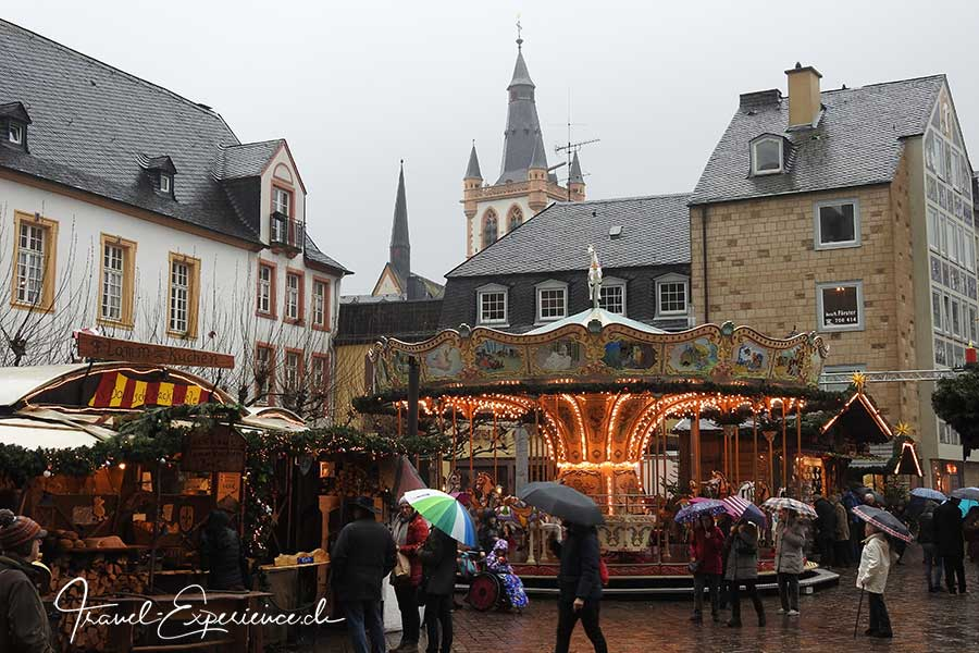 Advent, Flussfahrt, Trier, Weihnachtsmarkt, Domplatz, Karussell, Nostalgie,