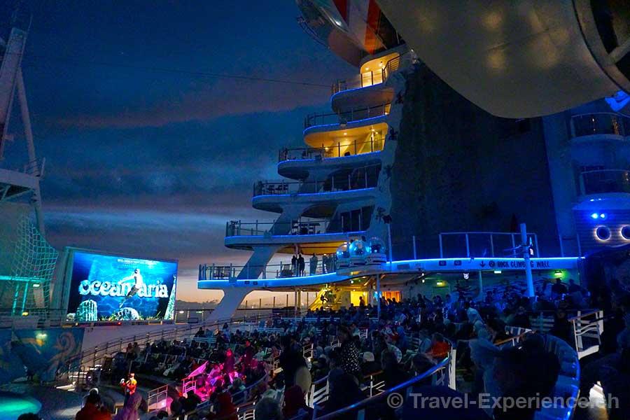 Allure of the Seas, Aqua Theatre