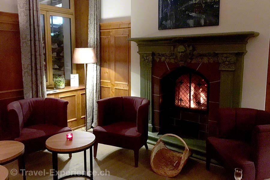 Schweiz, Tschiertschen, Alpina Mountain Resort & Spa, Bar, Kamin, Feuer