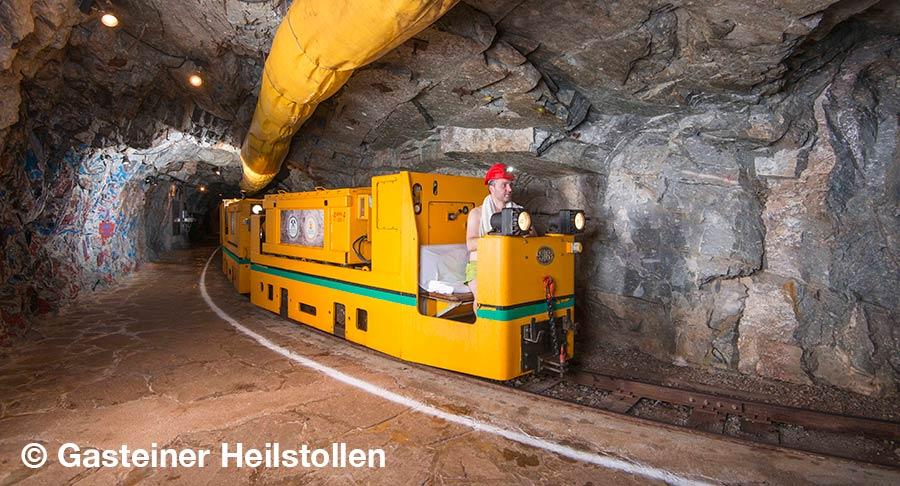 oesterreich, Bad Gastein, Gasteiner Heilstollen, Stollenbahn  oesterreich, Bad Gastein, Gasteiner Heilstollen, Lore  oesterreich, Bad Gastein, Gasteiner Heilstollen, Eingang