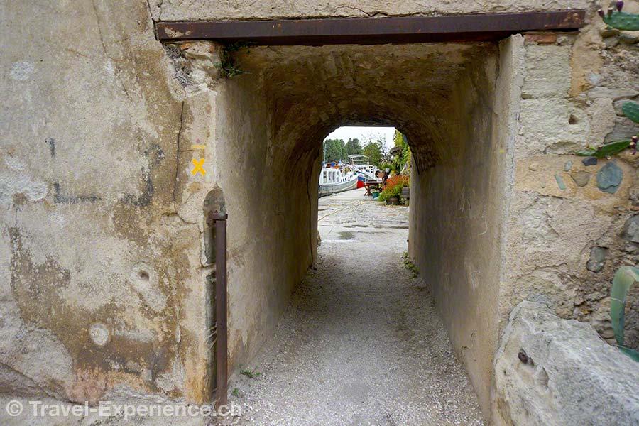 Frankreich, Canal du Midi, Unterfuehrung, Umlenkrolle