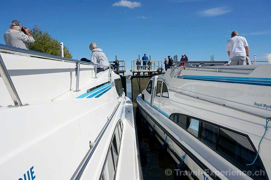 Frankreich, Canal du Midi, Hausboot, Argens, Schleuse