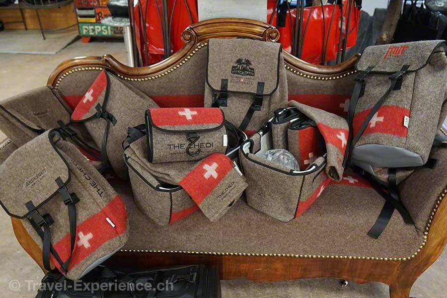 Glarus, Glarnerland, Industriespionage, Swiss Mountain Hand Bag, Engi, Tasche, Rucksack, Etui, Schweizer Armee Wolldecke