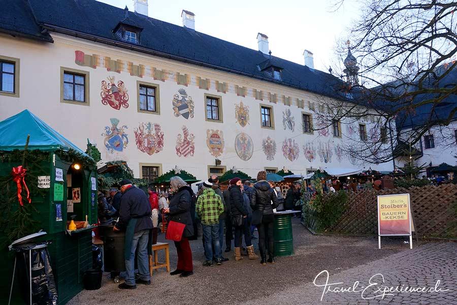 oesterreich, gmunden, schloesseradvent, schlosshof, adventsmarkt, weihnachtsmarkt