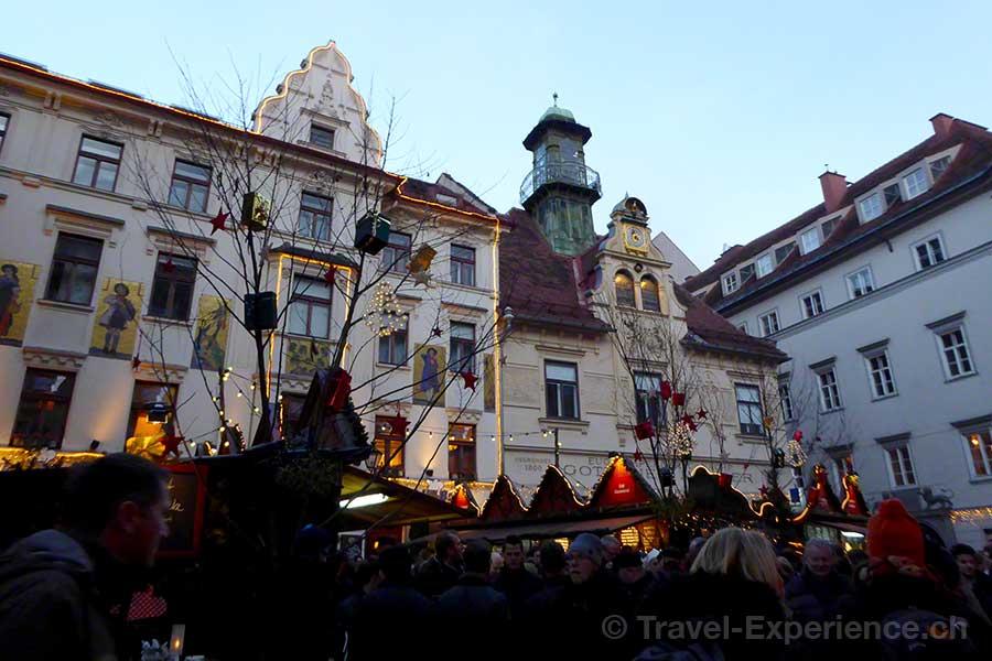Österreich, Graz, Advent, Glockenspielplatz, Stände, Schmankerln