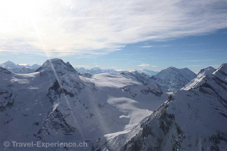 Berner Oberland, Helikopterflug, Petersgrat, Wetterluecke