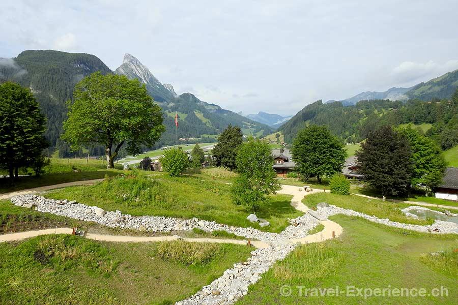 Schweiz, Saanen, Gstaad, Huus Hotel, Garten