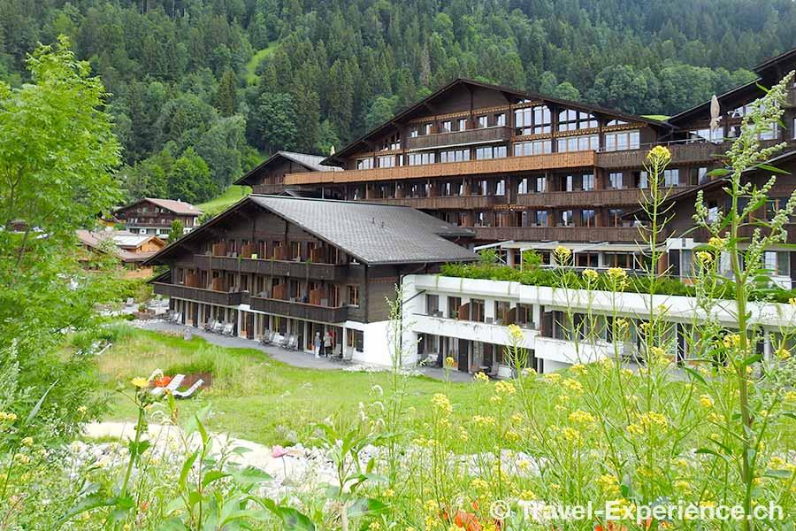 Schweiz, Saanen, Gstaad, Huus Hotel, Gartenseite