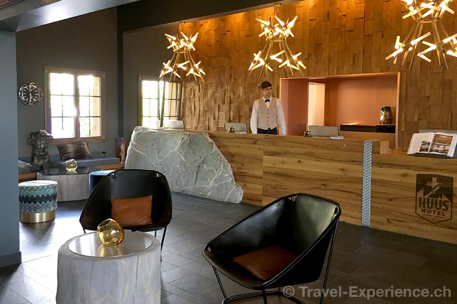 Schweiz, Saanen, Gstaad, Huus Hotel, Rezeption