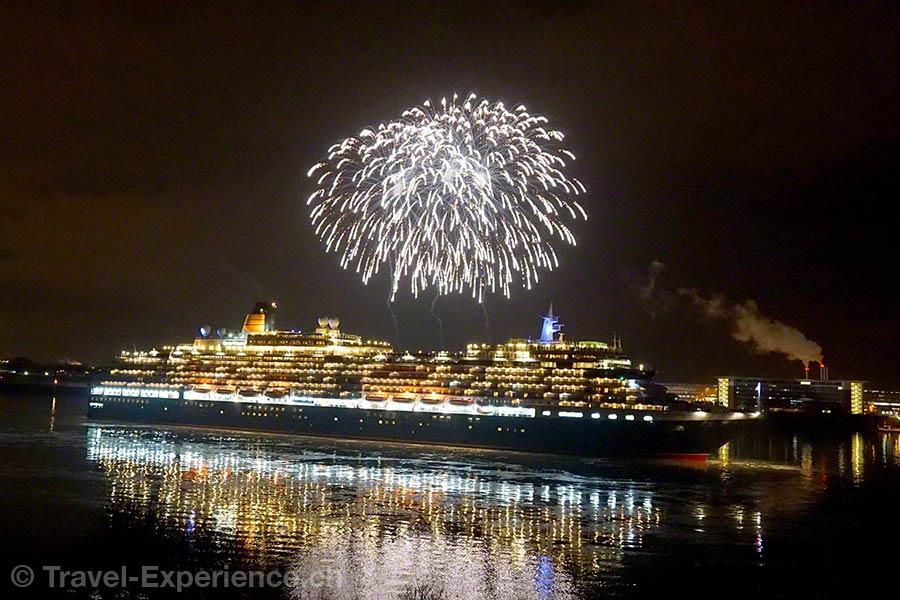Hamburg, Blankenese, Hotel Louis C Jacob, Feuerwerk, Queen Victoria, Cunard, Kreuzfahrtschiff