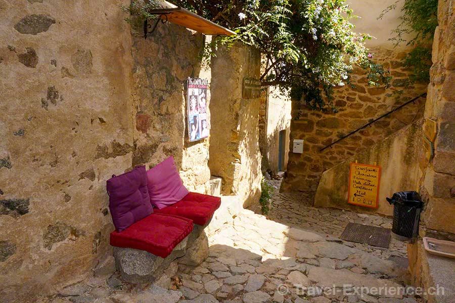 Korsika, Pigna, Gasse, Kissen