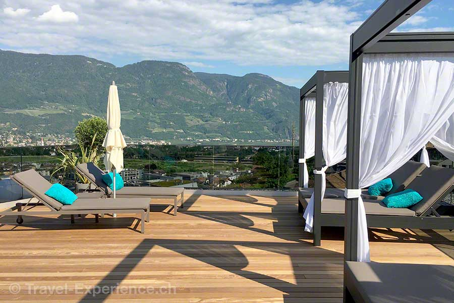 Italien, Suedtirol, Meran, Marling, La Majena Resort, Meran Lodge, Dachterrasse