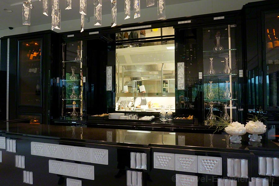 Villa Lalique, Restaurant, Bar, Küche