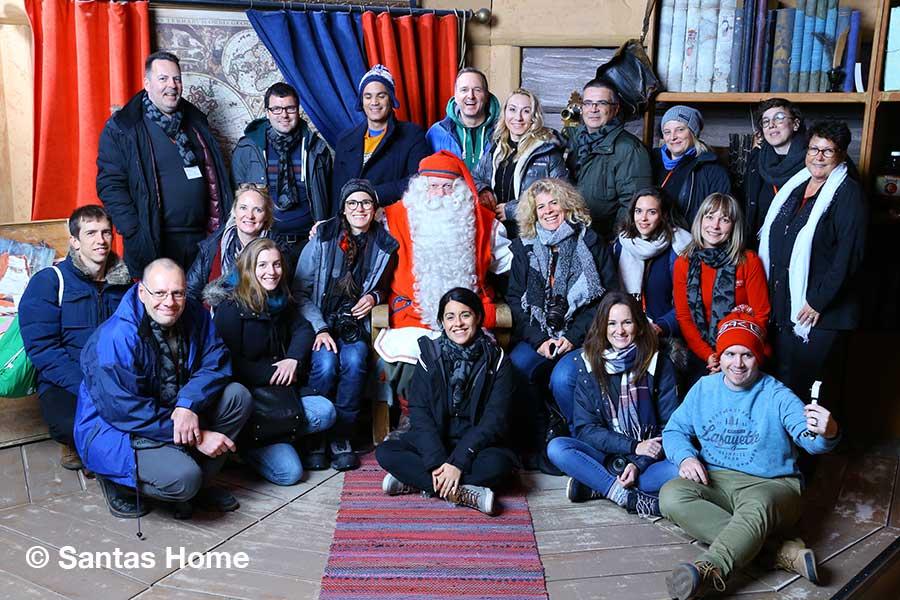 Finnland, Lappland, Rovaniemi, Polarkreis, Gruppenfoto, Santa Claus
