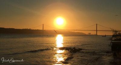 Portual, Lissabon, Sonnenuntergang, Ponte 25 de AbrilPortugal, Lissabon, Praca do ComerciaPortugal, Lissabon, StrassenbahnPortugal, Lissabon, Tejo uferPortugal, Lissabon, Spiegelbild