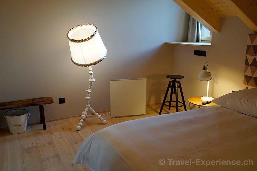 Brig, Hotel de Londres, Zimmer, Stehlampe