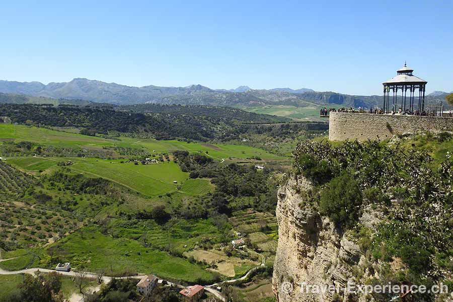 Spanien, Andalusien, Ronda, Pavillon, Abgrund