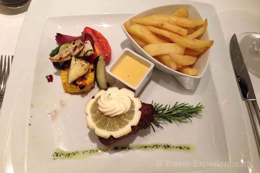 Martinhal Resort, Sagres, Algarve, Portugal, Restaurant O Terraco, Filetsteak, Pommes