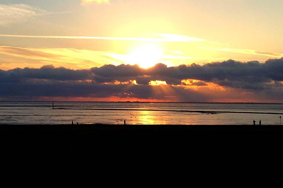 Ostfriesland, Deich, Kite-Surfer, Drachen fliegen