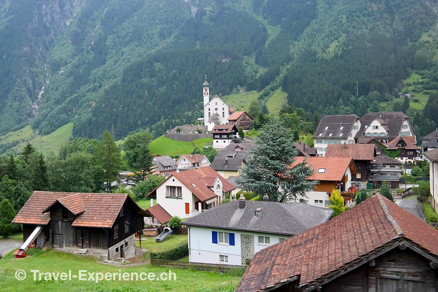 3-Paessefahrt Postauto, Wassen, Schweiz