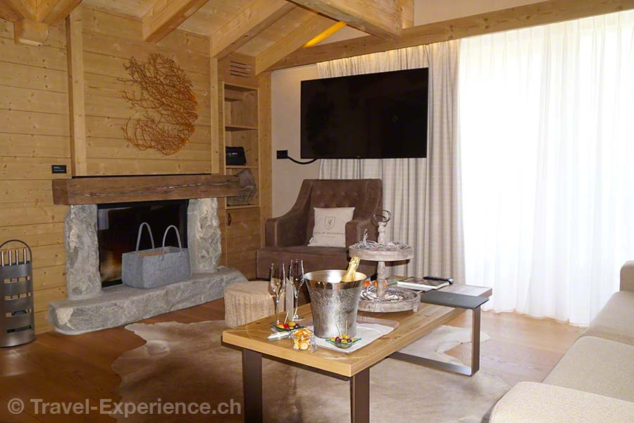 Schweiz, Waadt, Rougemont, Hotel de Rougemont, Penthouse-Suite, Wohnzimmer, Salon, rustikal