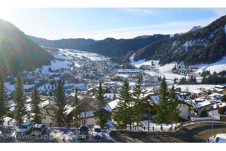 Südtirol, Corvara, Hotel Sassongher, Aussicht vom Balkon