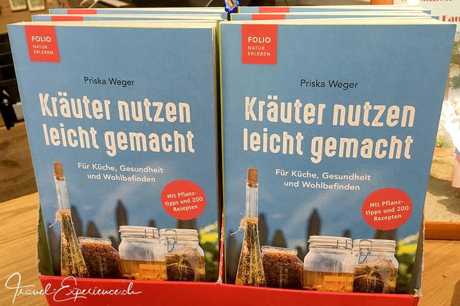 Italien, Schenna, Oberhaslerhof, Kraeuterbuch von Priska Weger, Kraeuter nutzen leicht gemacht