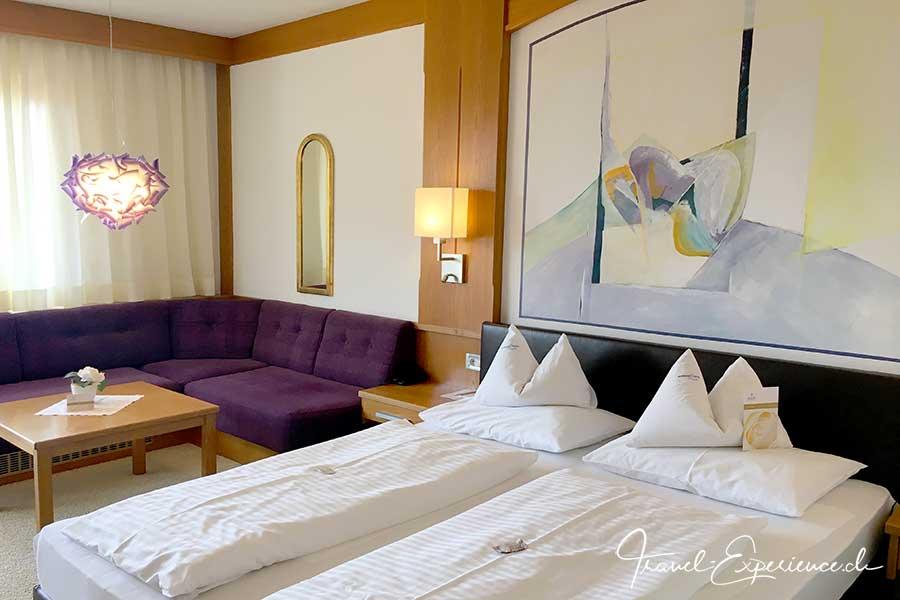 Italien, Suedtirol, Schenna, Resort, Zimmer, Hotel Schwefelbad