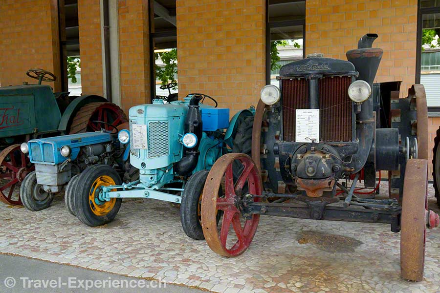 Italien, Emilia-Romagna, Modena, Hombre, Museum, Oldtimer, Traktor