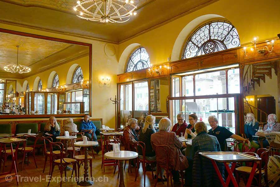 Italien, Marken, Ascoli, Cafe, Restaurant, Meletti