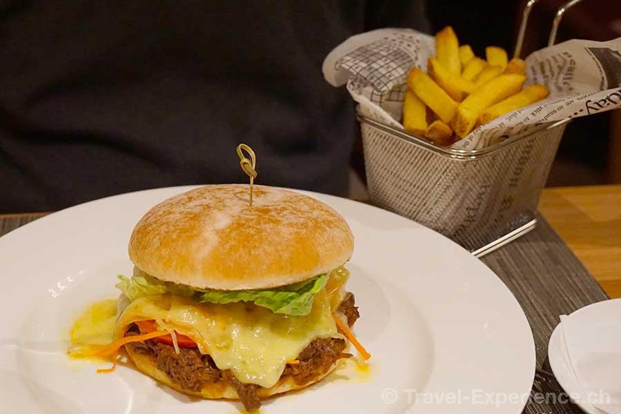 Saas-Fee, Hotel The Capra, pulled beef burger