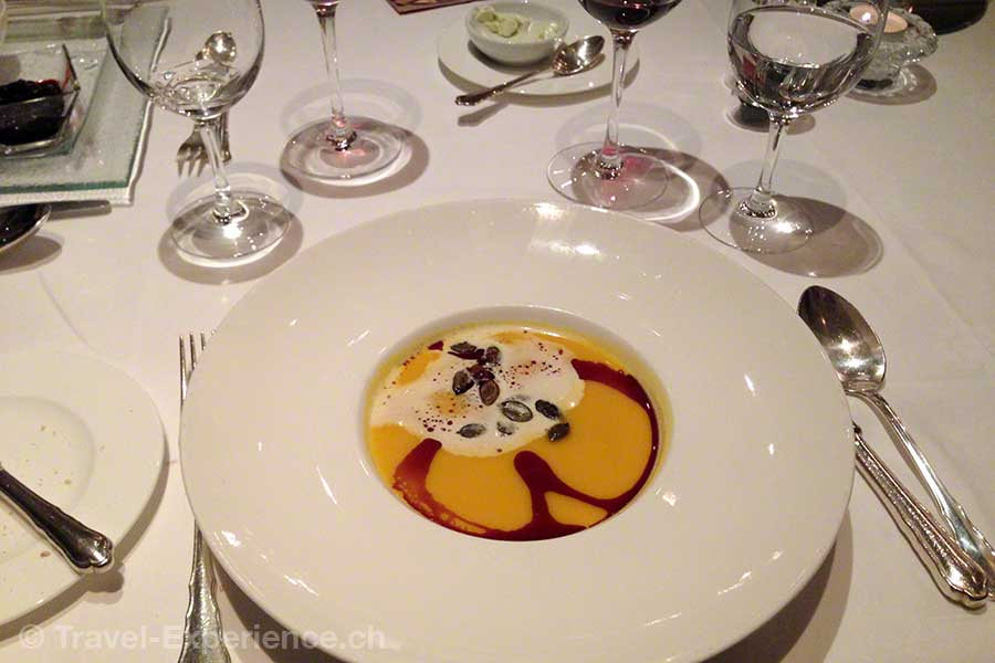 Österreich, Tirol, Zillertal, Zell, Hotel Theresa, Kuerbis suppe