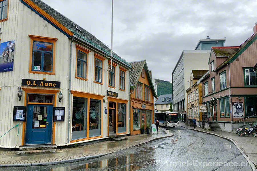 Norwegen, Nordnorwegen, Tromso, alte Hafenhäuser, Lagergebäude, Shops
