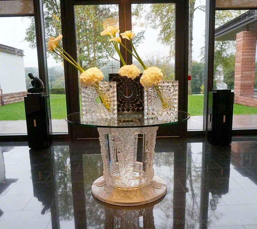Villa René Lalique, Wingen-sur-Moder, Elsass, Hotel, Hideaway, Entree, Vasen, Design, Mario Botta, Hortensien