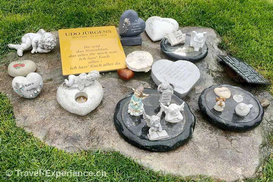 oesterreich, Wien, Zentralfriedhof, Udo Juergens, Grab, Engel, Herzen