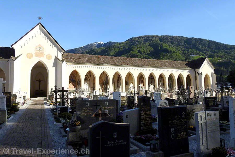 Italien, Suedtirol, Sterzing, Parkhotel zum Engel, Friedhof, Arkaden