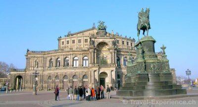 Dresden, Semperoper Dresden, Frauenkirche Dresden, Grünes Gewölbe, Hofstaat zu Dehli