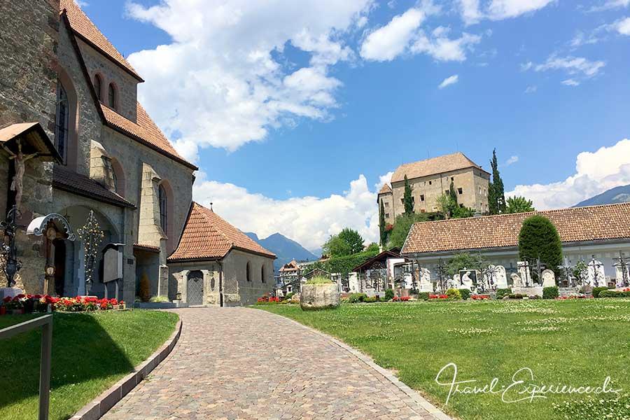 Schloss Kirche Schenna Südtirol