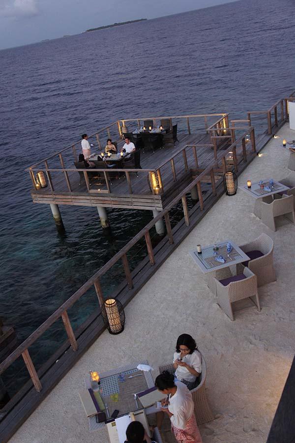 Dusit Thani Maldives - die Dichtbewachsene 3