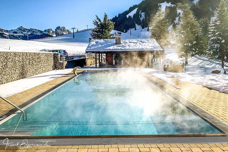 Hotel Hohenfels, Tannheim, Pool, Sauna-Blockhütte
