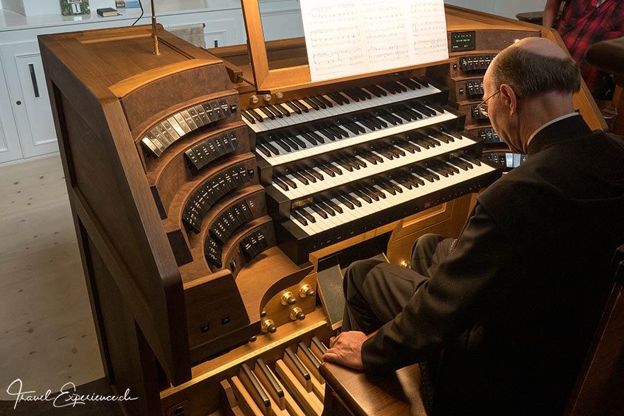 Kloster Disentis, Martinskirche, Grosse Orgel, Spieltisch